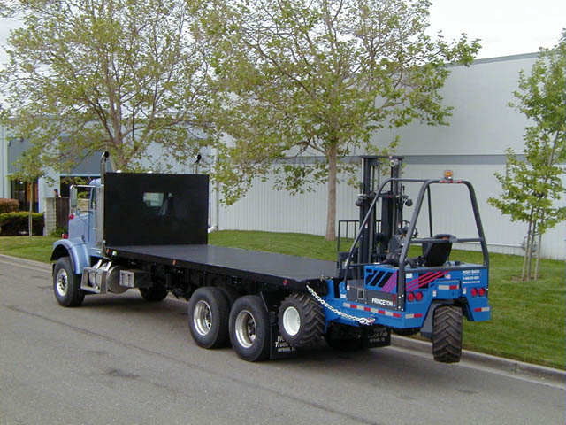 Long flatbed with forklift package